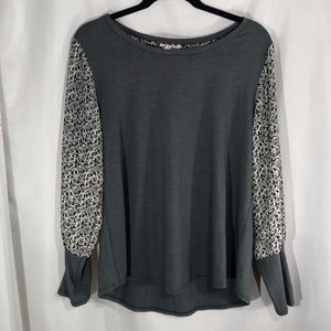 🍊Maurices Long Sleeve Top *See Back Detail*